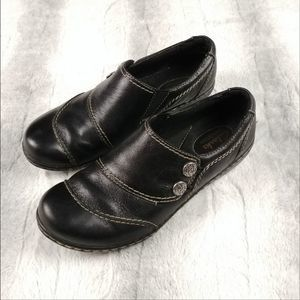 CLARKS Bendable Black Leather Clogs Size 7.5